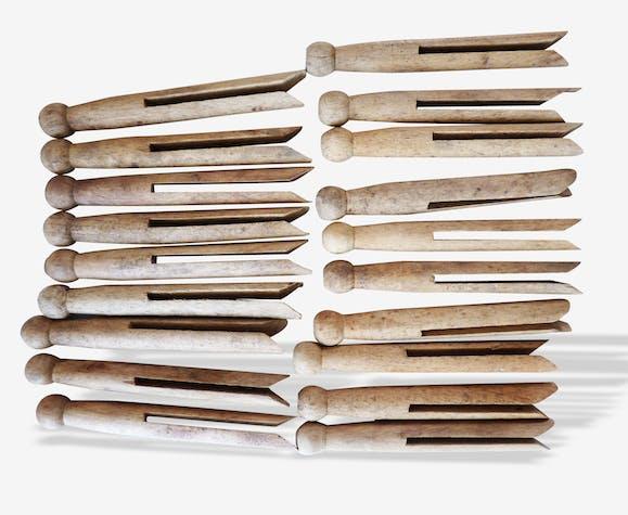 Lot de 19 pinces à linge en bois