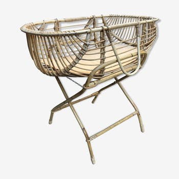 Wicker bassinet cradle