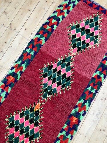 Moroccan Berber carpet old Azilal corridor 2,4x0.9m