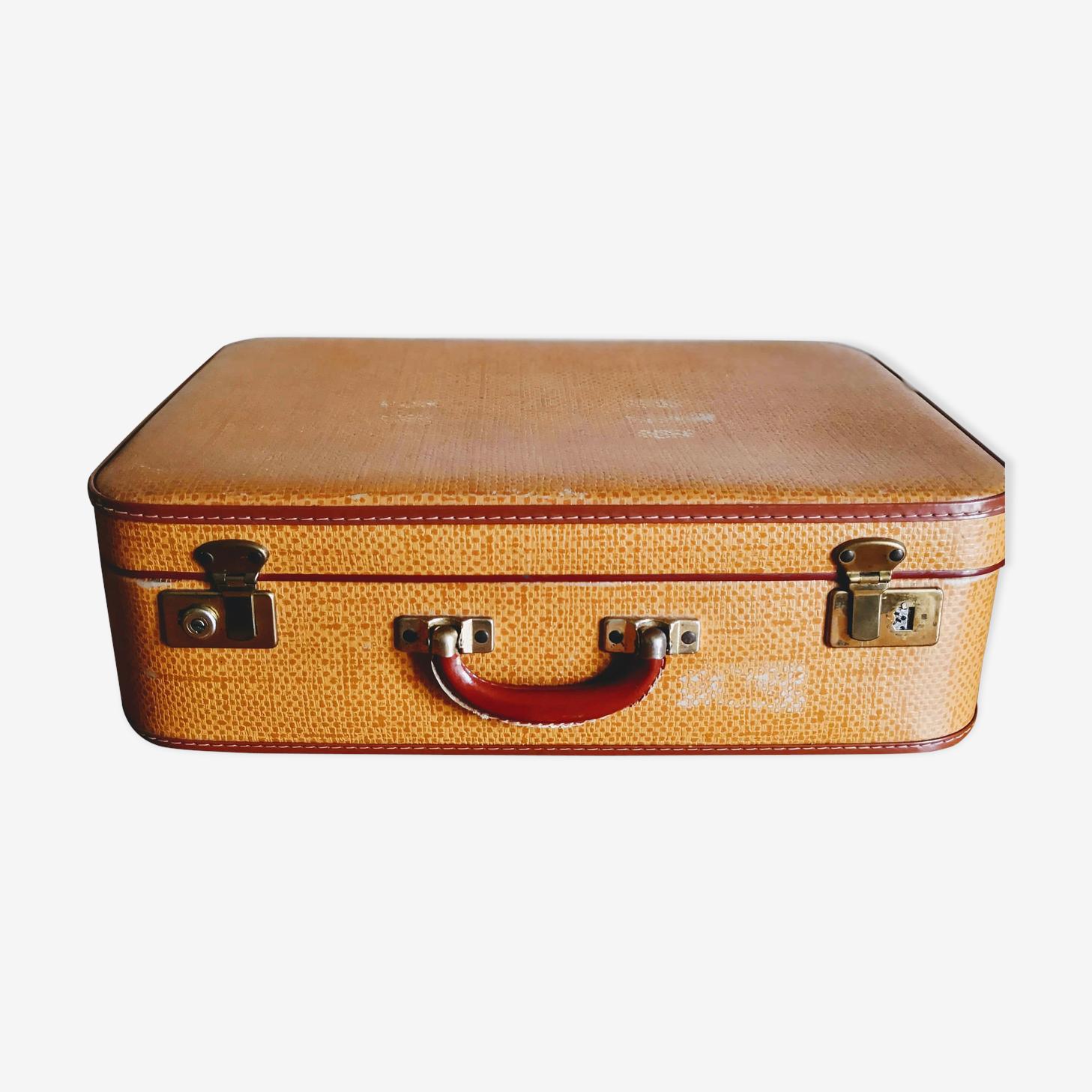 Ancienne valise jaune orangée