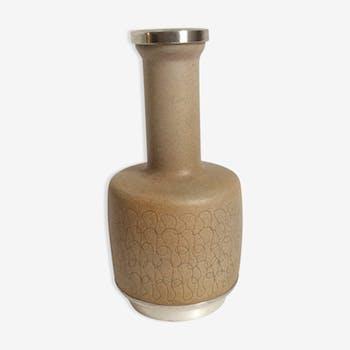 Vase en céramique et argent style scandinave