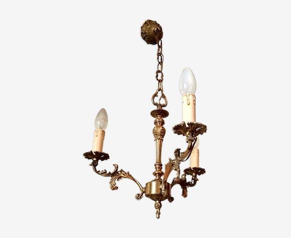 Lustre rococo en bronze doré avec 3 branches électrifiées fausses bougies