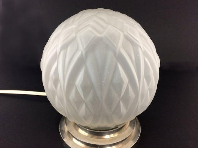 Lampe à poser métal chromé et globe en verre Art Déco