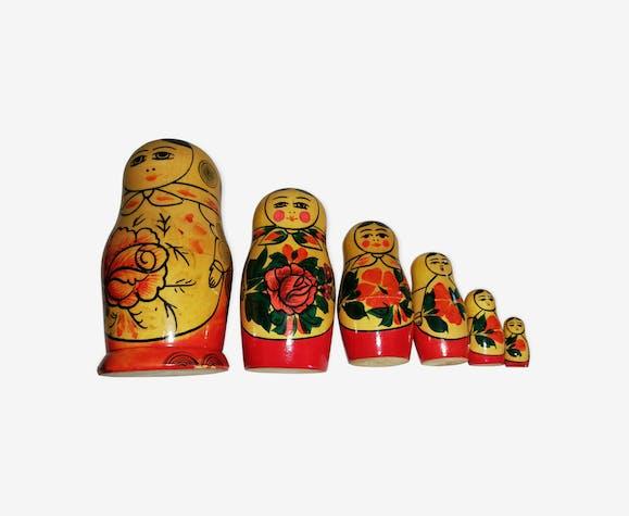 Matriochkas poupées russes gigognes vintage