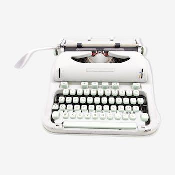 Typewriter Hermes 3000 green vintage revised with new Ribbon