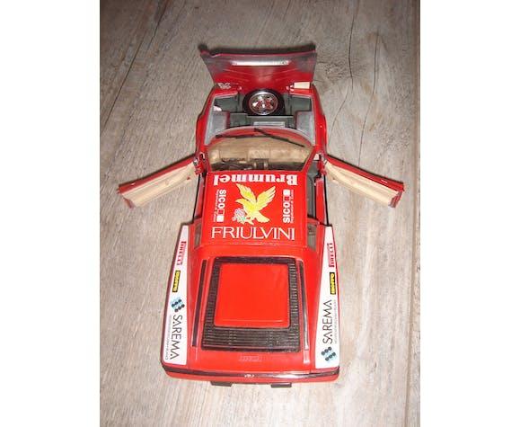 Voiture Ferrari testarossa 1/18 Burago