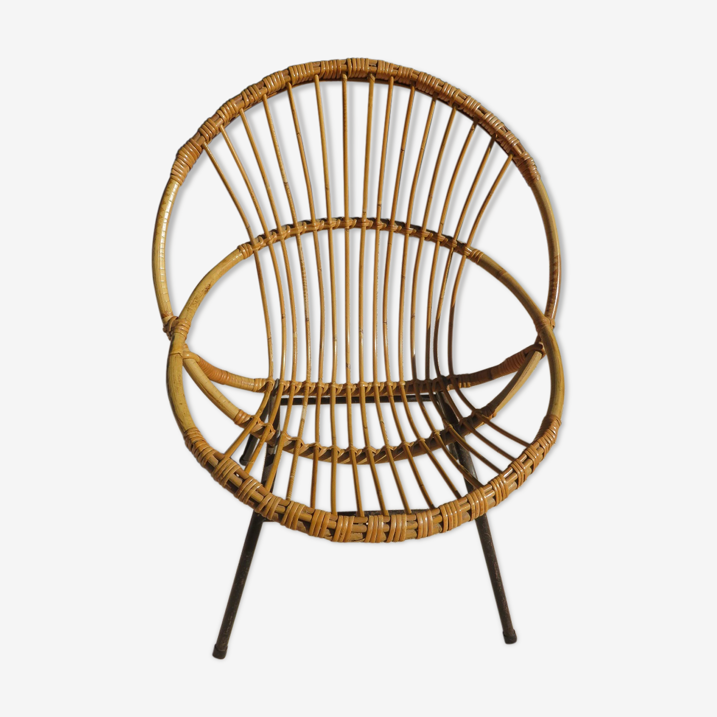 Basket armchair in rattan