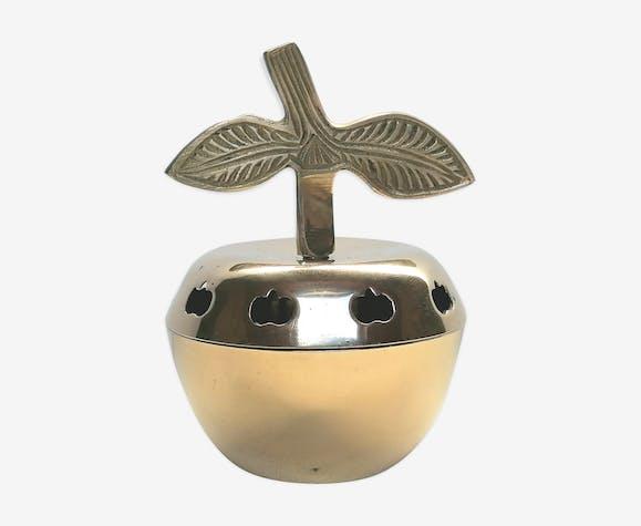 Pomme en laiton