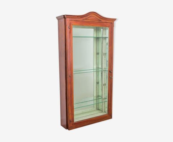 Mirrored vitrine cabinet