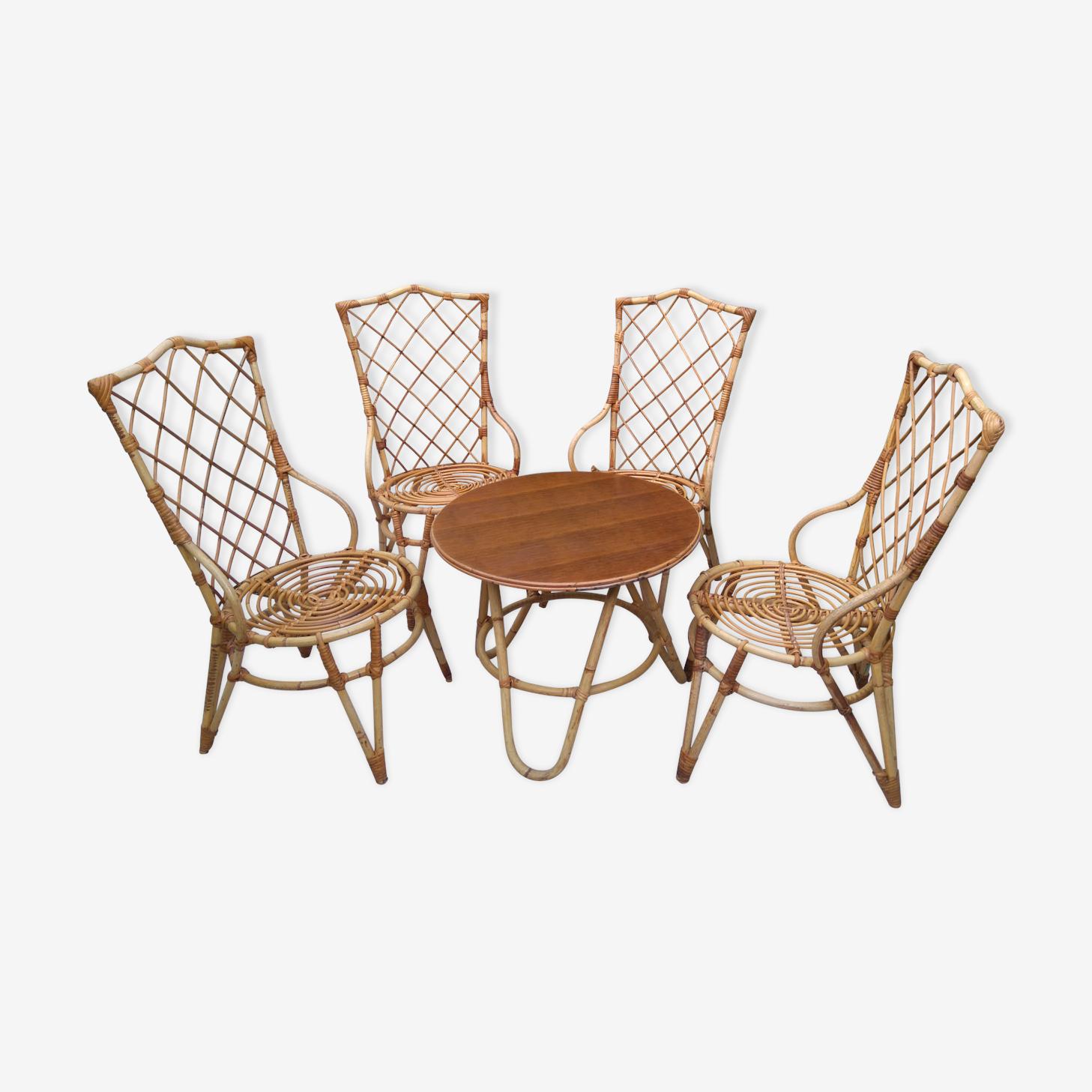 Salon en rotin 4 chaises et une table ronde