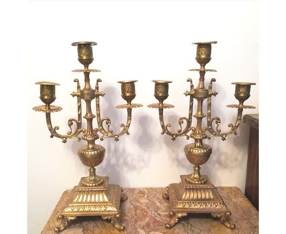 Paire de chandeliers trois branches en bronze doré