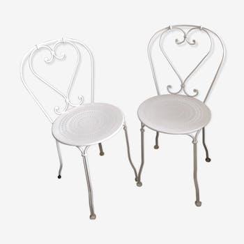 Chaises en métal blanc