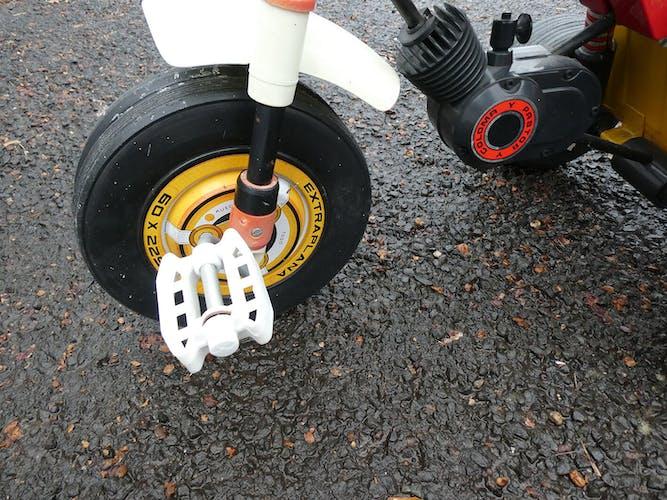 tricycle coloma volqui avec benne basculante pour enfant vintage