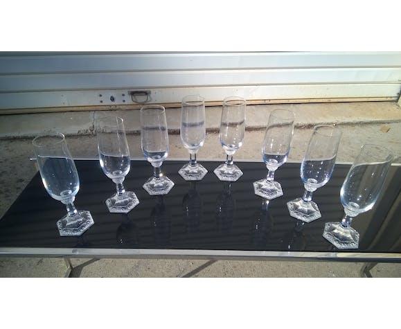 8 flutes à champagne