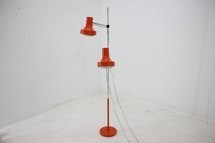 Lampadaire rouge du milieu du siècle Napako 1980