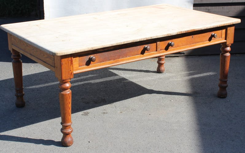 Pine table with two drawers