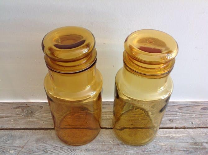 Duo de bocaux jaunes