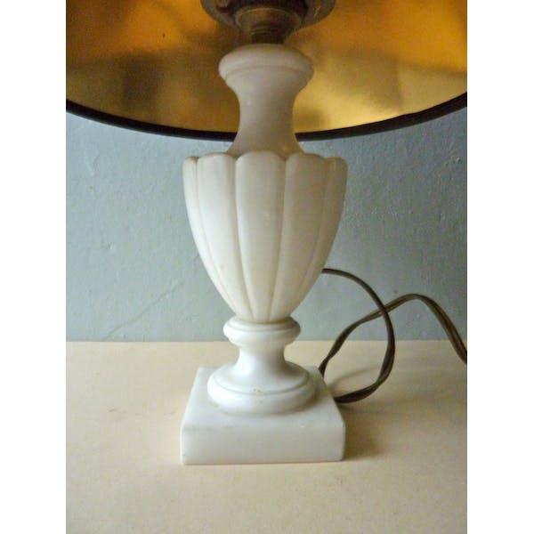 Lampe avec pied en albâtre blanc des années 50   Selency