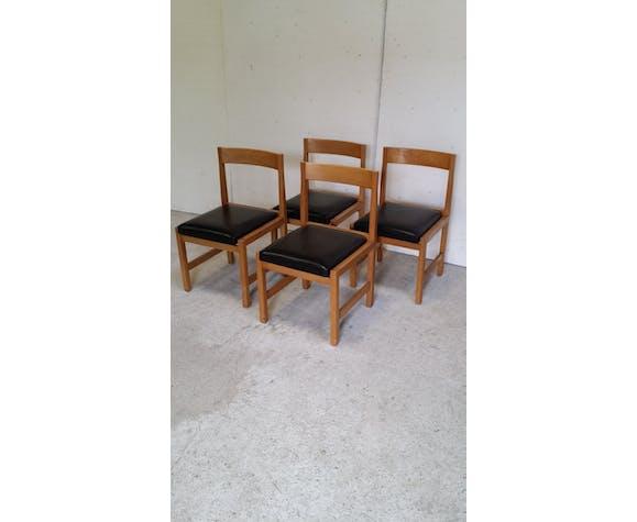 Lot de quatre chaises