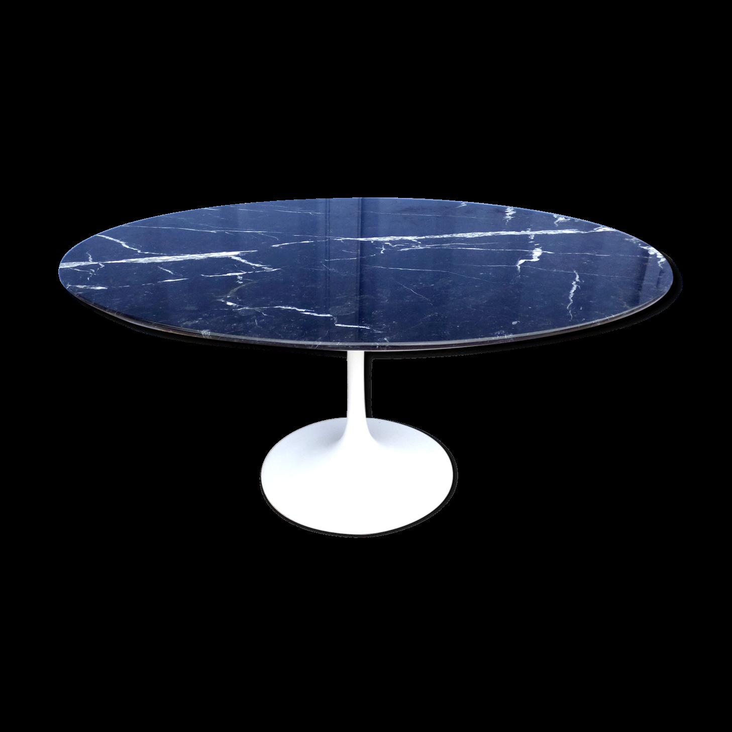 eero saarinen table tulipe ovale en marbre finest infurn check out eero saarinen s exclusive. Black Bedroom Furniture Sets. Home Design Ideas