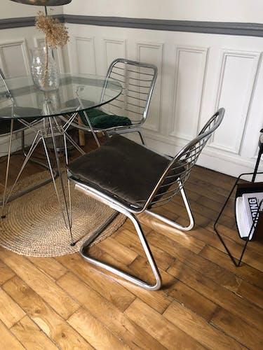 Chaise métallique design années 70