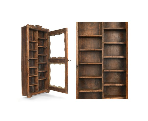 Wooden showcase with 14 lockers