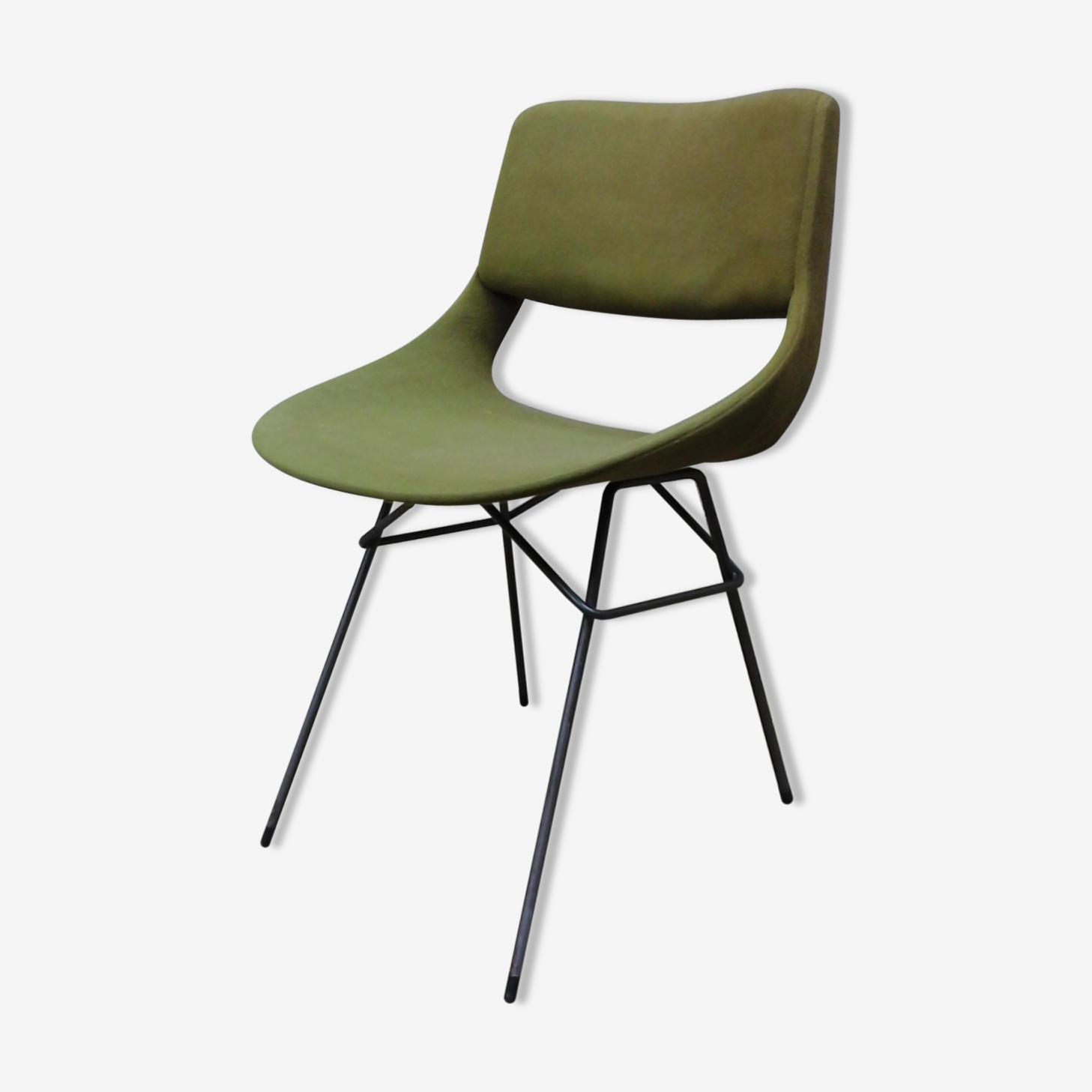 Chair Louis Paolozzi for Zol to wallpaper