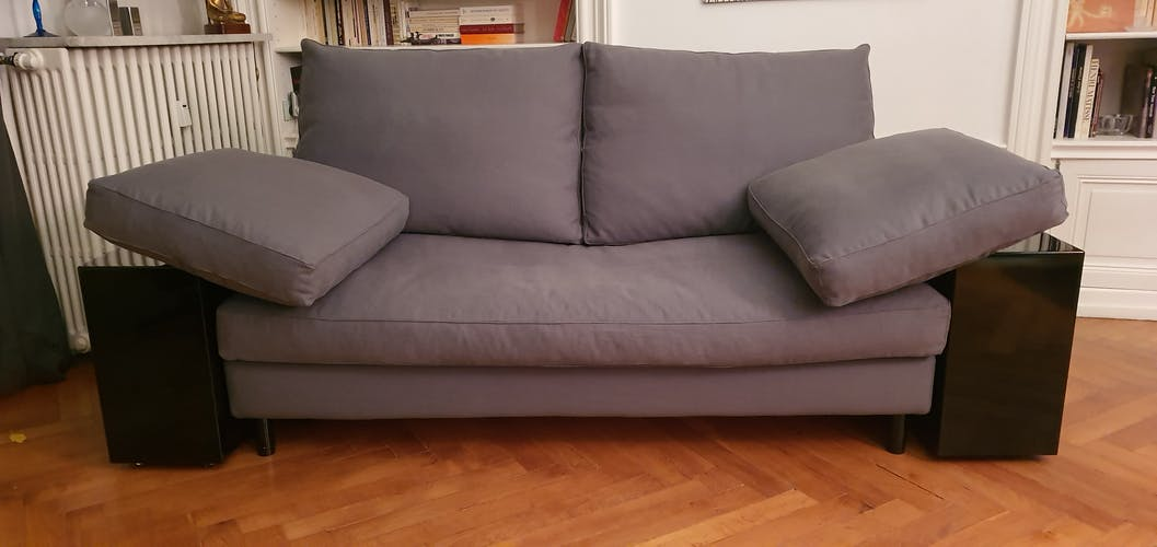 Sofa Lola by Eileen Gray