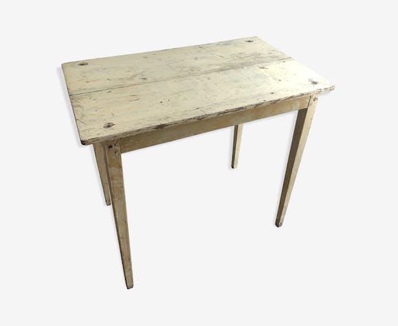 Patinee farm table