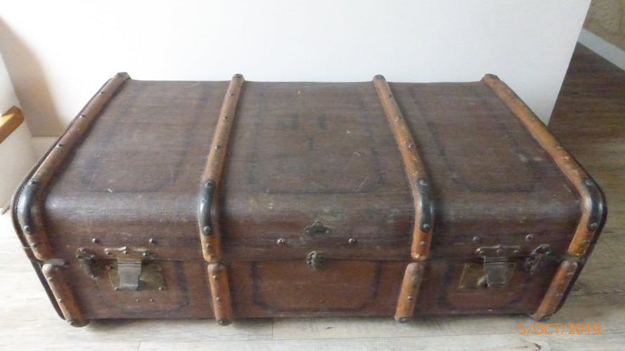 Cabin trunk