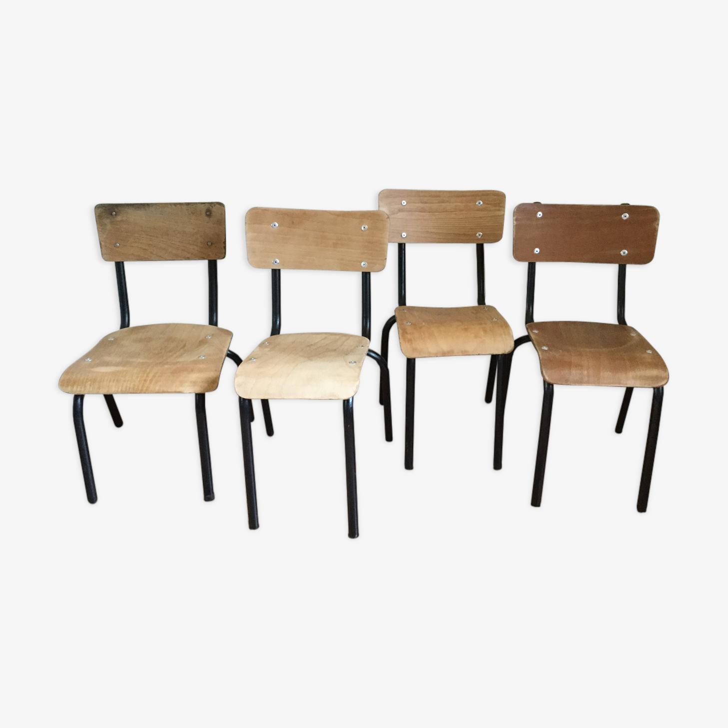 Série de quatre chaises Mulca  école rénovée