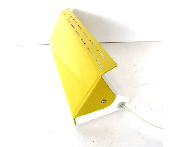 Adjustable vintage wall sconce from Anvia made of yellow metal