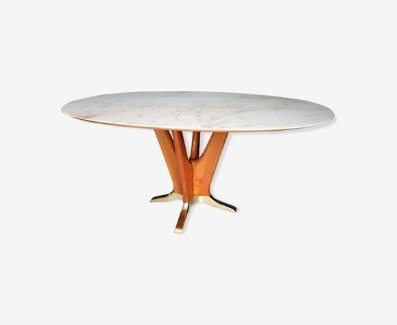 Table à manger italienne midcentury avec marbre rose et base de bois de cerisier des années 1950
