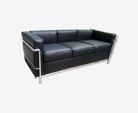 canap 3 places lc2 le corbusier de cassina cuir noir design gm8lkxo. Black Bedroom Furniture Sets. Home Design Ideas