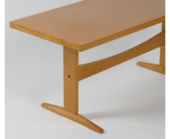 Table low interier Praha