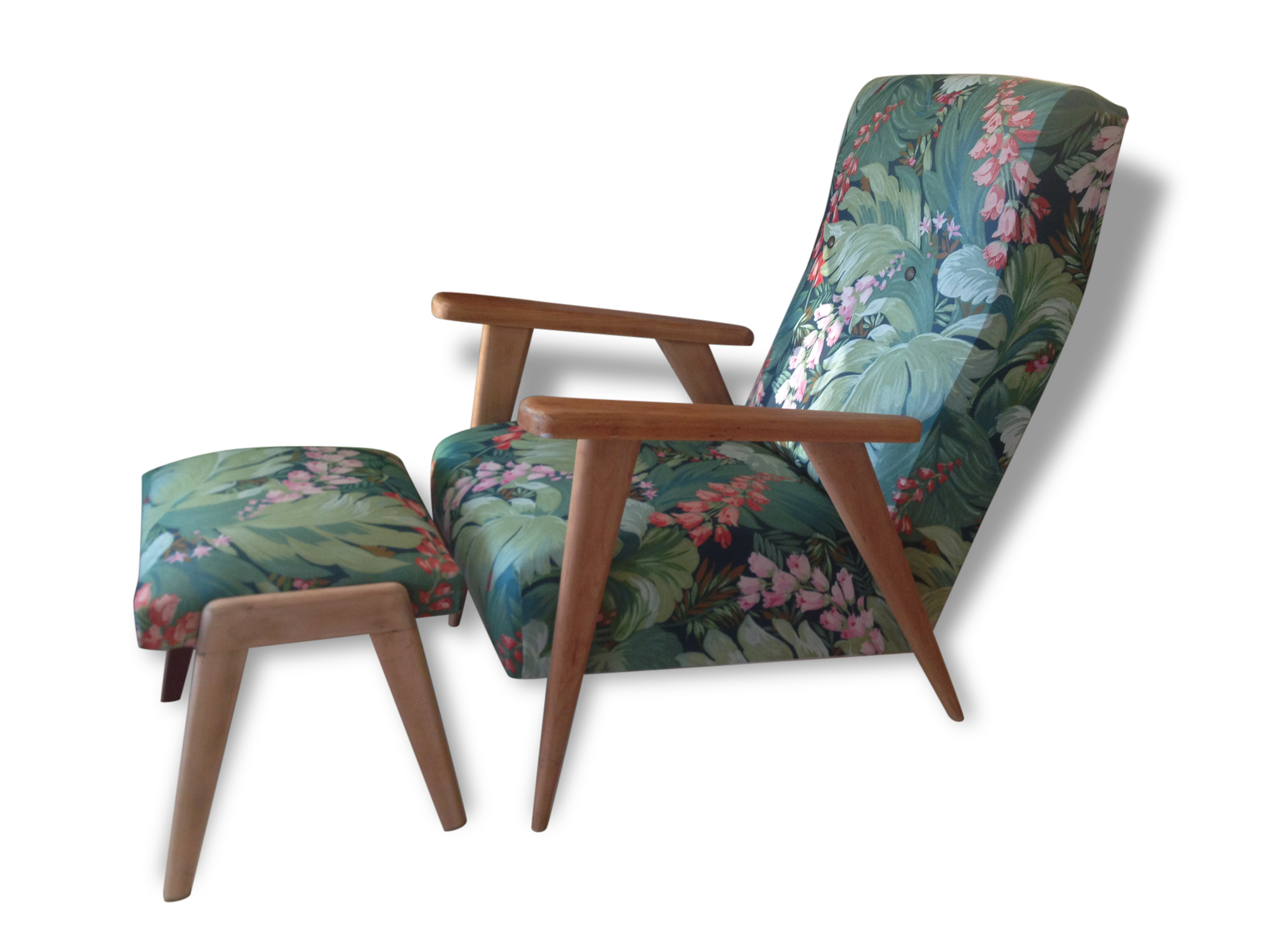 coussin chaise longue en anglais with Fauteuil Exotique on 435 Coussin Foxy furthermore S together with F 120060507 Spl14108 moreover Transat Jardin 43 Idees Pour Un Bain De Soleil Ca Vous Dit furthermore Sofa Rose 1940.