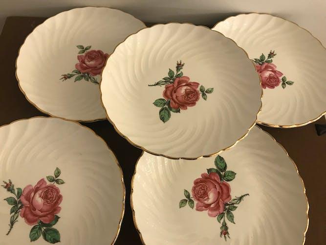 12 assiettes à dessert Gien, 1960