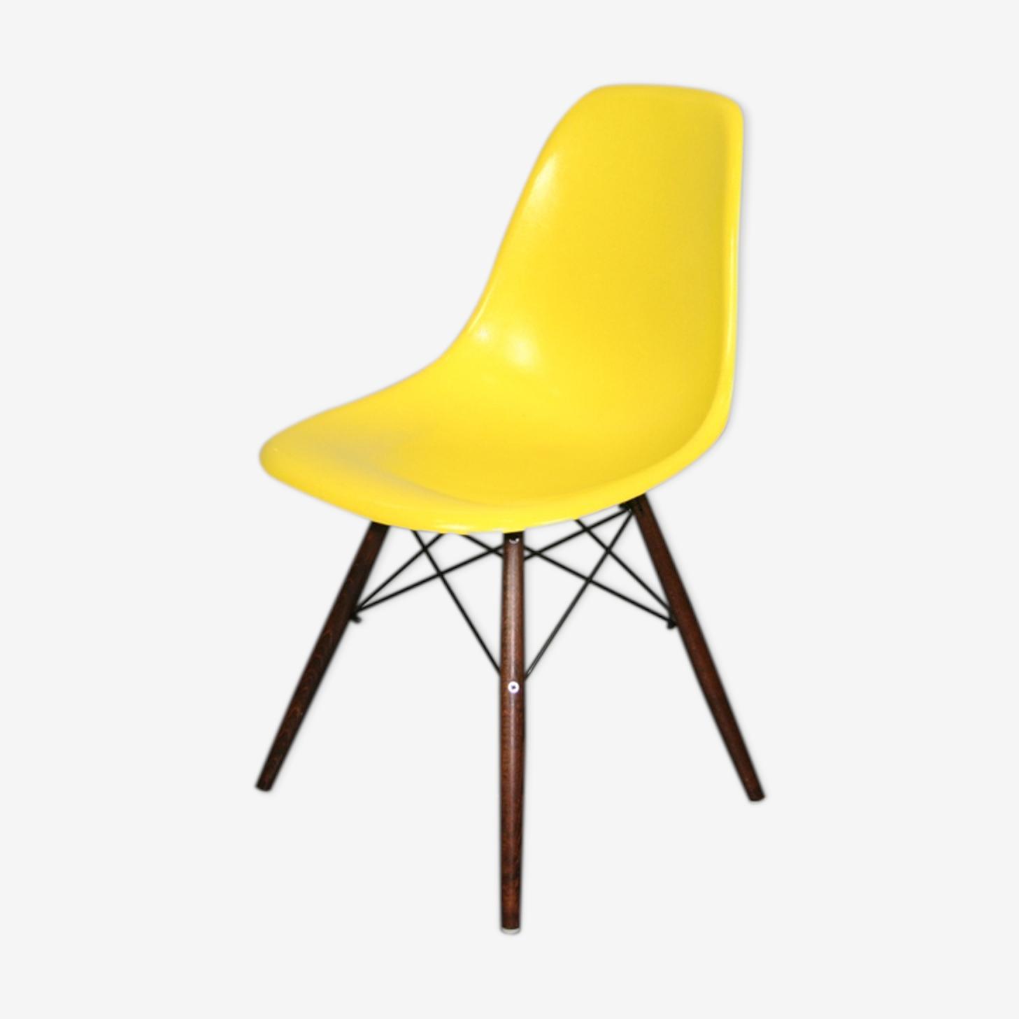 Chaise dsw jaune Eames Herman Miller vintage noyer