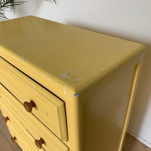 Commode parisienne vintage jaune
