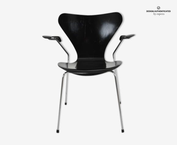 Chair with armrests series 7 Arne Jacobsen published by