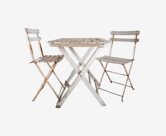 Salon de jardin ancien table plainte et chaises pliantes
