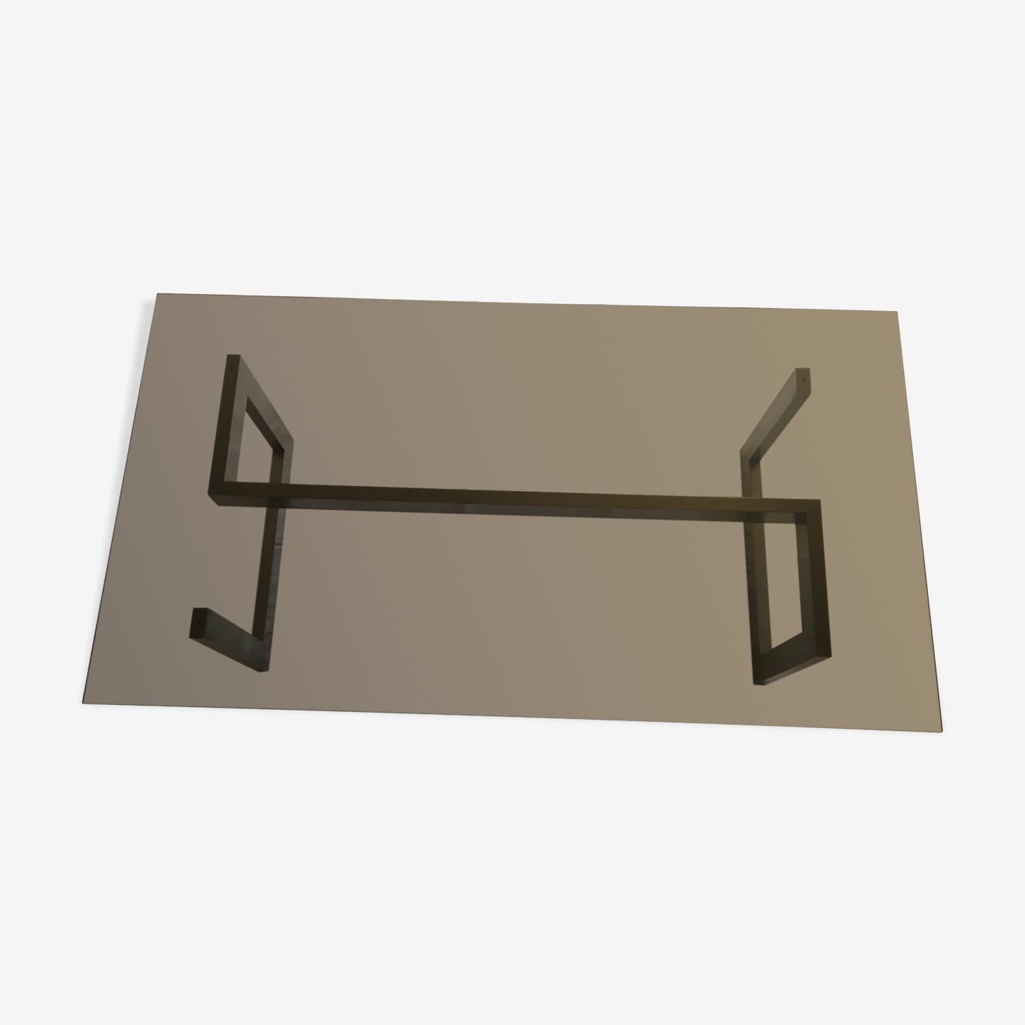 Table basse en métal chromé et verre fumé