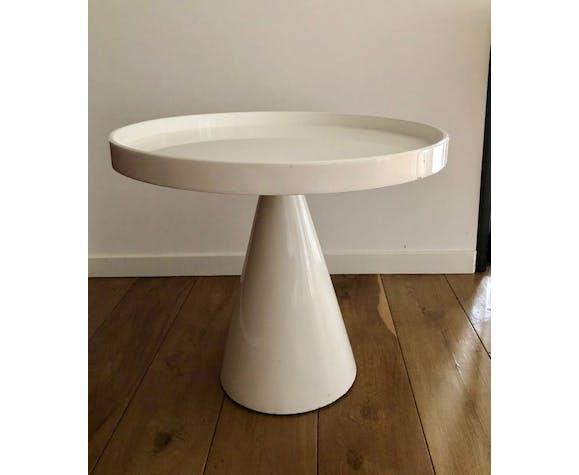 Table d'appoint pied conique