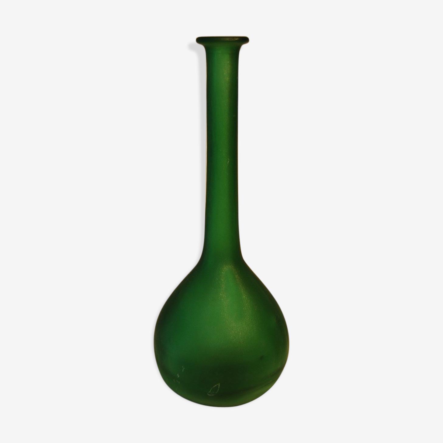 Vase soliflore de couleur vert transparent