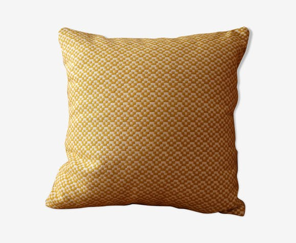 Deco cushion yellow graphic