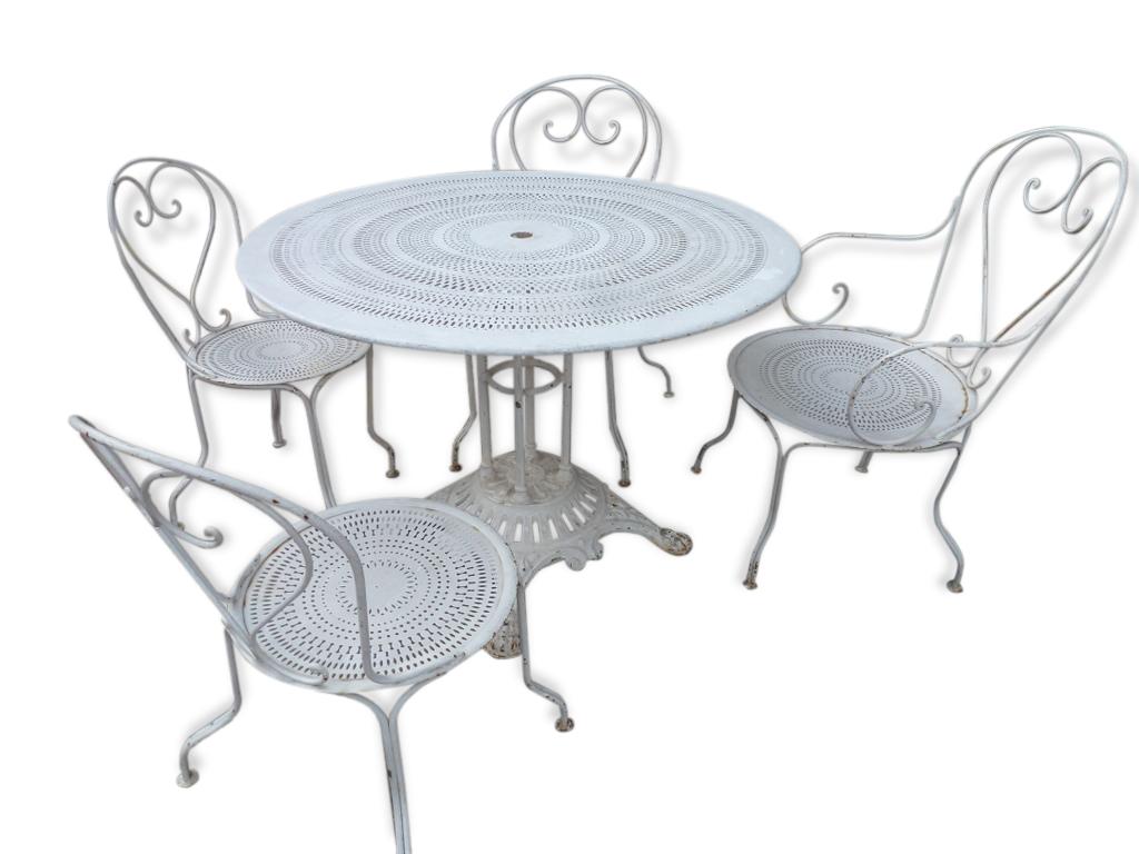 ancien salon de jardin en fer et fonte table 2 fauteuils et 2