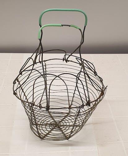 Metal salad basket