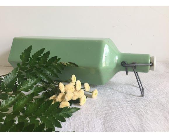 Bouteille en grès hexagonale verte