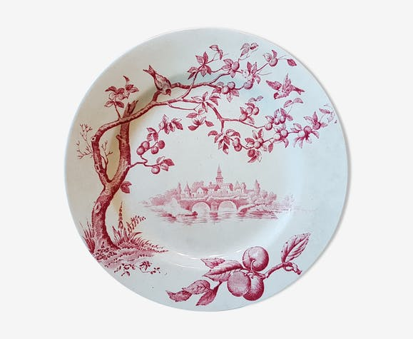 Plate with decoration of birds, fruit trees