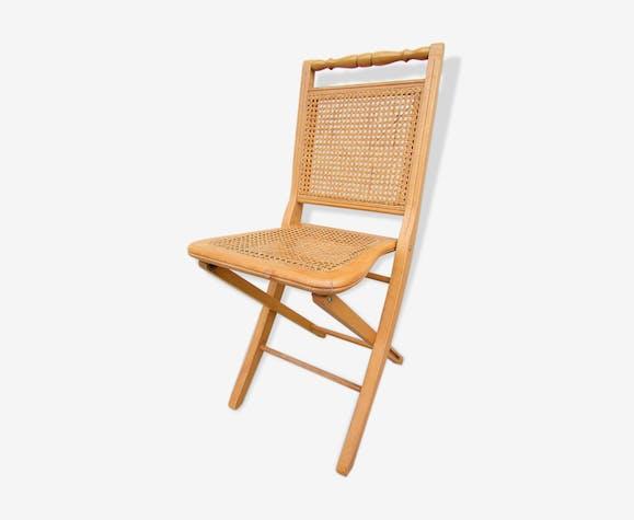 chaise pliante cann e confortable et gain de place bois. Black Bedroom Furniture Sets. Home Design Ideas